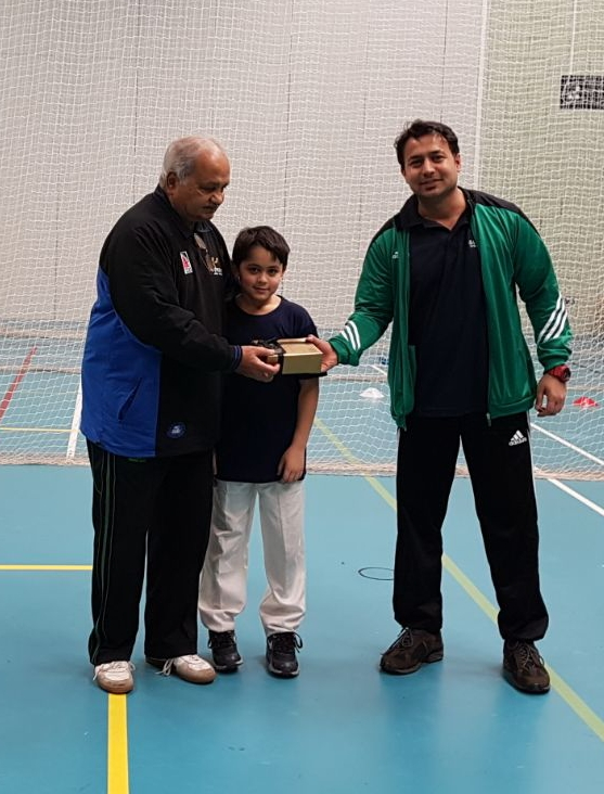 Roshaan and Muddassir with Mushtaq Mohammed