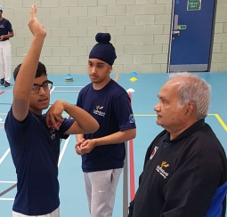 Mushtaq Mohammed coaching leg spin